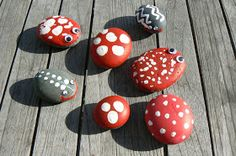 The Magic Onions :: A Waldorf Inspired Blog: Pet Rocks.