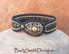 Cuentas de turquesa plata pulsera de cuero del por BarbSmithDesigns