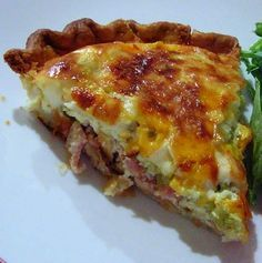 Bacon-a-Green-Chile-Quiche - I made this last night for dinner! We all enjoyed it. Hatch Green Chili Recipe, Green Chili Recipes, Mexican Food Recipes, Hatch Chili, Mexican Dishes, What's For Breakfast, Breakfast Dishes, Breakfast Casserole, Breakfast Recipes