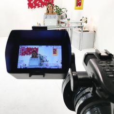 Luz câmera e ação... {} Começando hoje uma parceria com o @bymonaco para levar conteúdos em formato de vídeo sobre nutrição e beleza! Aguardem logo logo o primeiro vídeo no ar... Mas já conheçam o portal by Mônico {link acima no perfil } e sigam eles no insta  #vemnovidadesporaí #bymonaco #viverbemécontagiante #parceria #nutriçãoebeleza #vídeos #tutorial