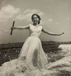 Another fabulous photo by Toni Frissell...waterskiing never looked so good :o)