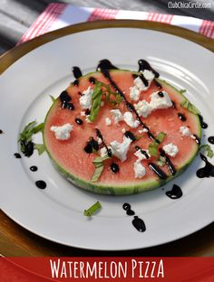 Watermelon Pizza from Club Chica Circle No Dairy Recipes, Cooking Recipes, Healthy Recipes, Easy Appetizer Recipes, Appetizers, Watermelon Pizza, Vegetarian Brunch, Health Snacks, Summer Salads