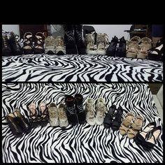 El mejor regalo para una mujer... Los amé a todos... No se cual usaré hoy?  te amo mucho @percyepalza te sobraste con este regalo 8 pares de zapatos