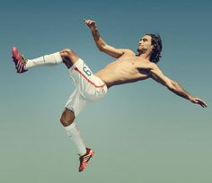 USMNT middie Graham Zusi in Men's Fitness mag~~~They don't call him Zeus for nothing, ladies