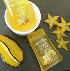 New Shower Gel from Yves Rocher. Jardins du Monde in Carambola from Malaysia. It smells delicious!!!