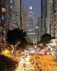 Avenida São João by @fotografia_viagens_e_energia #saopaulocity #EuVivoSP