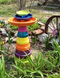 I wanted bright colors, but possibilities are endless… Terra cotta pot bird bath. Flower Pot Art, Clay Flower Pots, Flower Pot Crafts, Bird Bath Garden, Diy Bird Bath, Clay Pot Projects, Clay Pot Crafts, Art Projects, Painted Clay Pots