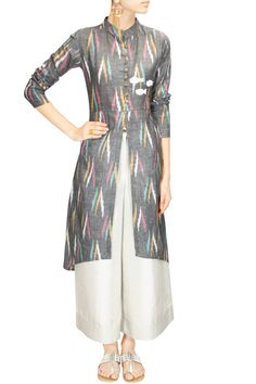 Rouka presents Grey embroidered front open slit tunic available only at Pernia's Pop-Up Shop. Salwar Designs, Blouse Designs, Dress Designs, Indian Attire, Indian Wear, Indian Dresses, Indian Outfits, Salwar Kameez, Churidar