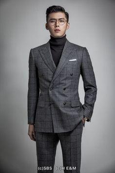 Hyun Bin, Korean Celebrities, Korean Actors, Turtleneck Suit, Hyde Jekyll Me, Suits Korean, Handsome Asian Men, Classy Suits, Korean Star