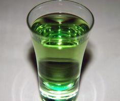 Un liquore digestivo dal delicato aroma dato dal basilico.