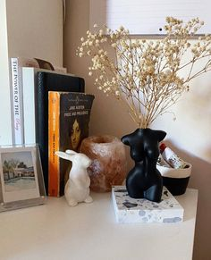 "Serena Lekias on Instagram: ""Some bedside table styling for your happy hump day ☺️ #interiordesign #interior #inspo #inspiration #design #art #bathroom #bedroom…"" Bedside Table Styling, Interior Design, Design Art, Are You Happy, Bookends, Day, Inspiration, Bathroom, Instagram"