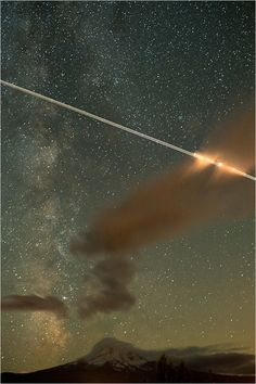 shooting star at Mt. Hood captured by FS Photography - Yup Shooting stars meet the sci/fi, science feelings... very awesome!