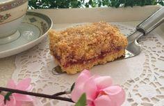 Sbriciolata gluten free con fragole e mele