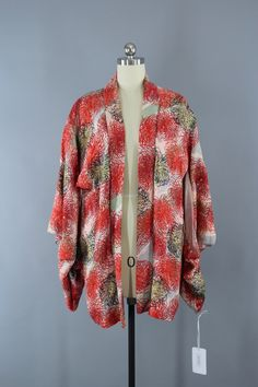 1940s Vintage Silk Haori Kimono Jacket with Red and Gold Chrysanthemums Floral Print  #vintage #vintageclothing #thisbluebird #shopvintage