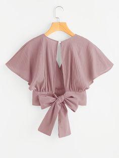 Deep V-cut Keyhole Back Bow Tie Blouse Moda Fashion, Hijab Fashion, Fashion Clothes, Fashion Outfits, Traditional Blouse Designs, Corset Sewing Pattern, Bow Tie Blouse, Casual Outfits, Cute Outfits