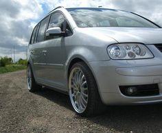 Touran Volkswagen auto - http://autotras.com
