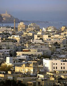 Tel Aviv, Israel donde vive Montagner :O Voyage Israel, Places To Travel, Places To See, Israel Palestine, Jaffa Israel, Terra Santa, Tel Aviv Israel, Visit Israel, Holy Land