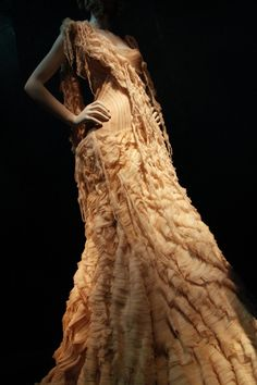 "McQueen - ""Oyster"" dress from Irere SS 2003."