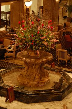 Every morning at 11 a.m., the duckmaster leads a group of mallards into the lobby of the Peabody Hotel. They walk in a nice orderly line from the elevator to the fountain on the red carpet. Then, the ducks spend the day splashing around in the water before returning to their penthouse at 5 p.m.