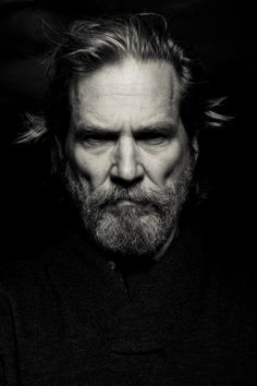 Jeff Bridges by Michael Muller. (via Jeff Bridges by Michael Muller… Jeff Bridges, Foto Portrait, Portrait Photography, Photography Ideas, Man Portrait, Pencil Portrait, Foto Face, The Face, Celebrity Portraits