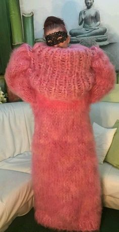 Sweater Dress Outfit, Sweater Outfits, Angora Sweater, Pink Sweater, Warm Outfits, Sweater Weather, Mantel, Knitwear, Turtle Neck