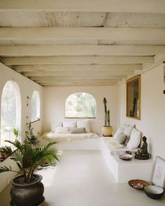 News and Trends from Best Interior Designers Arround the World Home Decor Bedroom, Living Room Decor, Living Spaces, Living Rooms, Interior Architecture, Interior And Exterior, Interior Design, Best Interior, Ikea Regal