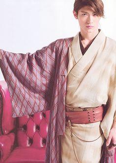 traditional Japanese men's kimono (Miura Haruma)  How would you feel if I bought you this???