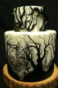 Funny pictures about Dark Forest Cake. Oh, and cool pics about Dark Forest Cake. Also, Dark Forest Cake photos. Scary Halloween Cakes, Bolo Halloween, Halloween Torte, Pasteles Halloween, Halloween Wedding Cakes, Halloween Horror, Gothic Halloween, Halloween Desserts, Haunted Halloween