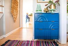 rast dresser makeover Ikea Makeover, Furniture Makeover, Easy Diy Projects, Projects To Try, Ikea Rast Dresser, Flexible Molding, Fill Nail Holes, High Gloss Paint, Mid Century Dresser