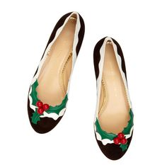Ballerines Holly http://www.vogue.fr/mode/news-mode/diaporama/la-collection-jingle-all-the-way-de-charlotte-olympia/10954#ballerines-holly