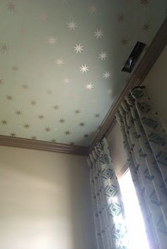 Haven and Home -wallpaper on the ceiling! I'd use the textured, paintable wall paper!! Bet that'll be fun to put up :/