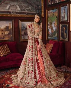 Muslim Brides Who Wore The Most Stunning Wedding Outfits Ever #shaadiwish #muslimwedding #muslimbride #bridalwear #bridalweartrends #bridaljewellery #bridalportrait