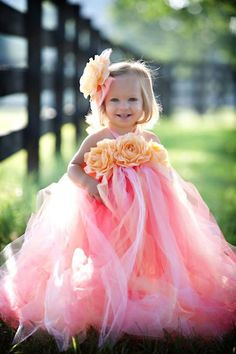 Weddbook ♥ Cute flower girl dresses with lovely roses. Pink tutu dresses for flower girls. Tutu flower girl gown for summer wedding or birthday party summer pink tulle flowergirl rose kids Girls Tutu Dresses, Tutus For Girls, Flower Girl Dresses, Baby Girl Dresses Fancy, Big Dresses, Pageant Dresses, Robes Tutu, Baby Girl Tutu, Baby Girls