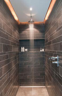 Inloopdouche - ingebouwde plaats voor douchegels