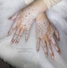 Fails design lines gold 54 best ideas Bridal Henna Designs, Bridal Mehndi Designs, Henna Art, Hand Henna, Wedding Henna, Wedding Hair, Wedding Dress, Dm Instagram, Bridal Shower Cupcakes
