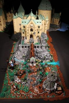 Model Hogwarts made of 400,000 pieces of LEGO (58 Photos)