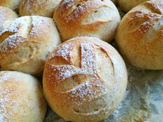 Til mine piger: Frokostboller Home Bakery, Piece Of Cakes, Bread Baking, Soul Food, Bread Recipes, Tapas, Food To Make, Food And Drink, Yummy Food