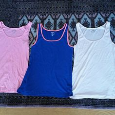 3 old navy tank tops (package deal) 3 lightly worn, stretch got old navy tank tops. Old Navy Tops Tank Tops