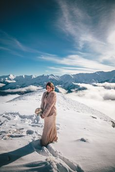 http://magnoliarouge.com/stunning-queenstown-mountain-top-wedding-by-jim-pollard-goes-click/