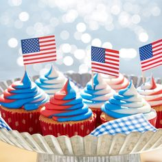 Red White and Blue Cupcakes Fourth Of July Cakes, 4th Of July Desserts, Fourth Of July Food, 4th Of July Party, July 4th, Patriotic Party, Patriotic Desserts, Patriotic Crafts, Bowls
