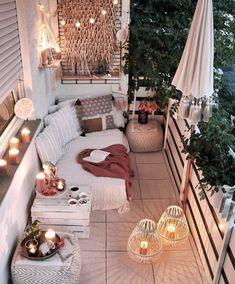 Bohemian Chic Decor, Bohemian Bedroom Decor, Boho Room, Diy Bedroom Decor, Home Decor, Bedroom Romantic, Modern Bohemian Bedrooms, Bohemian Garden Ideas, Modern Chic Decor