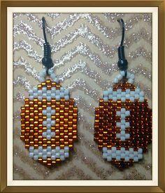 Lil' footballs by AlaskaBunnyBeading on Etsy… Beaded Earrings Native, Beaded Earrings Patterns, Seed Bead Patterns, Beading Patterns, Seed Bead Art, Seed Bead Jewelry, Seed Bead Earrings, Seed Beads, Seed Bead Projects