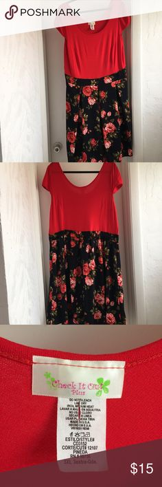 Junior Plus Floral dress Dress is a really dark navy blue at the bottom. It's a 3x in Juniors plus so sizing is smaller than regular plus size. torrid Dresses