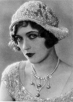 1920's Fashion - Marion Davies, film actress, producer, screenwriter, and philanthropist