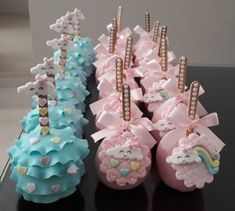 Inspire your Party ® Baby Shower Cakes, Baby Shower Parties, Unicorn Birthday, Unicorn Party, Party Sweets, Rainbow Parties, Star Baby Showers, Girl Themes, Baby Shower Centerpieces