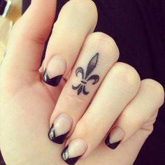 Pretty Nails! Love the fluer de lise.