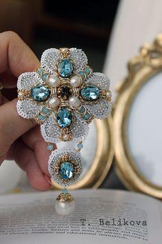 Beaded brooch / Купить Брошь B2016-1. - голубой, бело-голубой, орденок, брошь, брошь-орден, орден