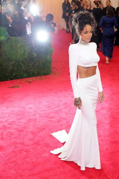 Rihanna nailed it last night, blending just the right amounts of edge and elegance to create a breathtaking vision in white. #obsessed #metgala2014