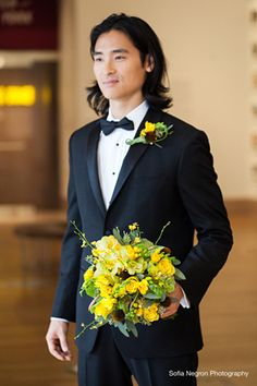 Yellow Wedding Ideas - Vibrant Editorial Shoot at the New York Historical Society - Munaluchi Bridal Magazine