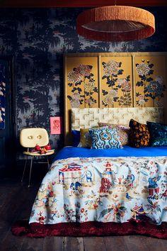 Oriental Bedroom, Oriental Decor, Decoration Baroque, Deco Cool, Maximalist Interior, Ceiling Decor, Ceiling Design, Chinoiserie, Interior Inspiration